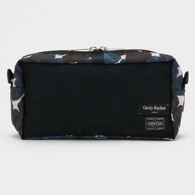 "CASELY-HAYFORD × PORTER(ケイスリー ヘイフォード × ポーター)""SNACKPACK"" 限定ポーチ"